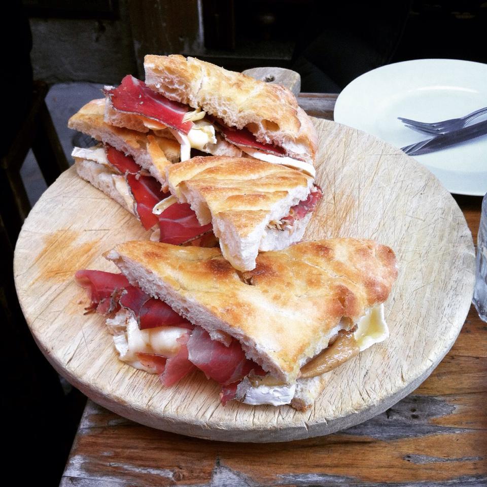 Dove mangiare a Firenze? Consigli su dove pranzare e cenare.