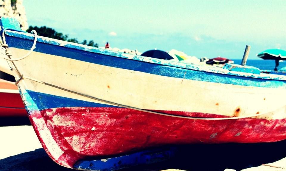 Barca millenaria spiaggia Briatico di #viaggiareapois