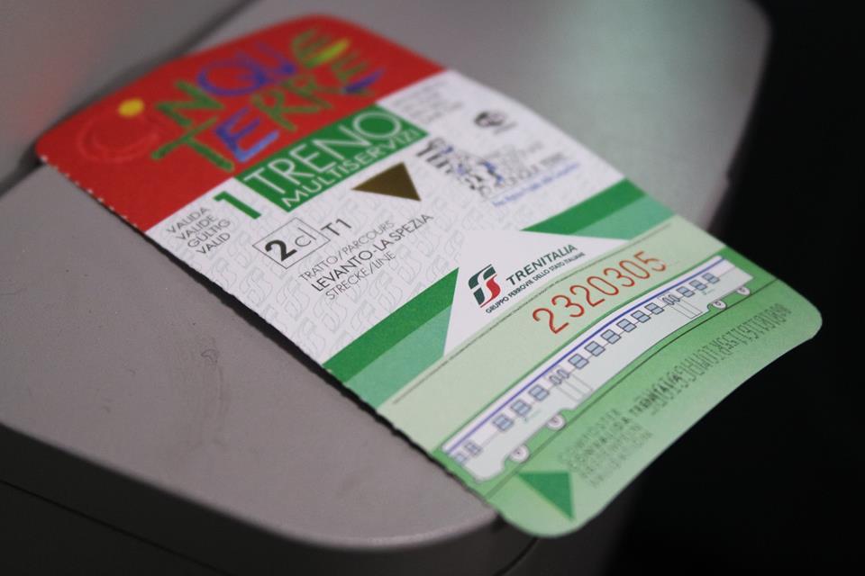 cinque terre treno MS card di #viaggiareapois