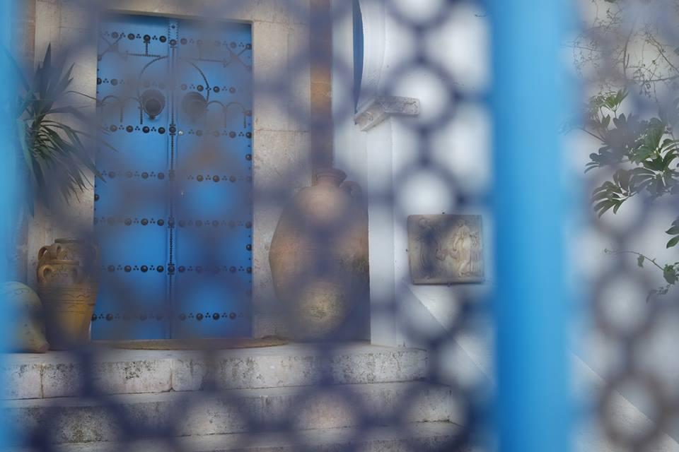 si intravede una porta blu sidi bou said #viaggiareapois